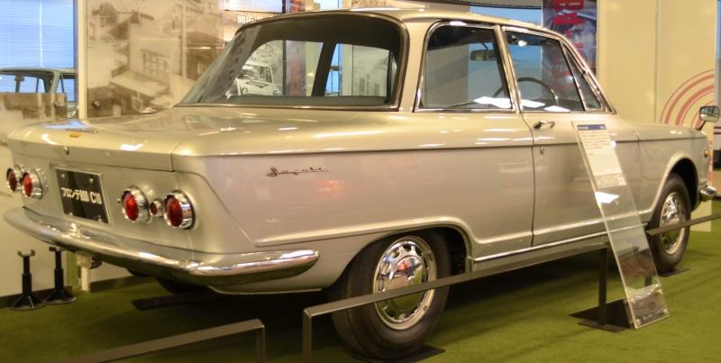 Suzuki-Fronte800rear.JPG