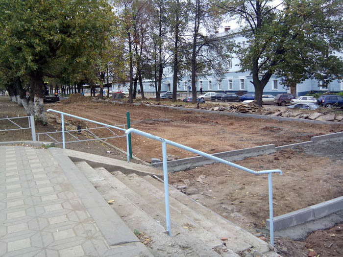 Реконструкция ярмарки на Комсомольской