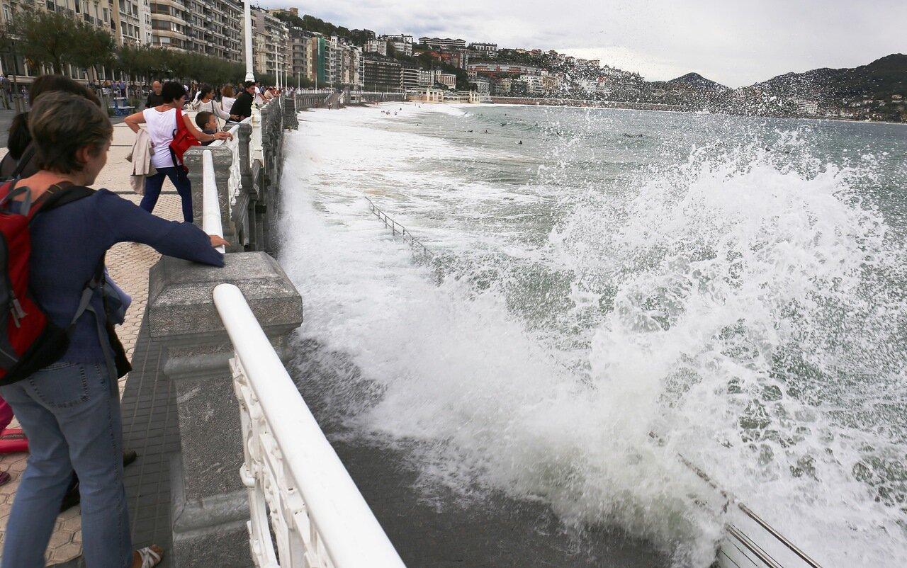 Пляжи Сан-Себастьяна. Прилив