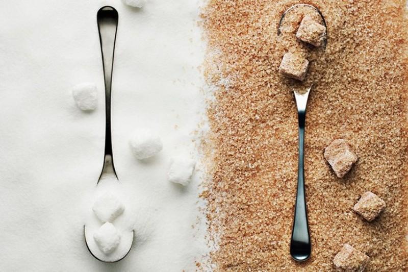 2. Сахар Сахар может храниться бесконечно долго, неважно, белый (рафинированный) он или коричневый (