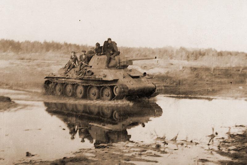 T-34_Lokot_1.jpg