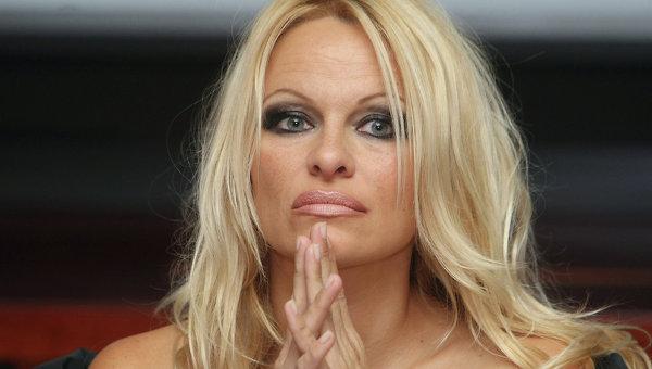 Памела Андерсон подала документы на развод