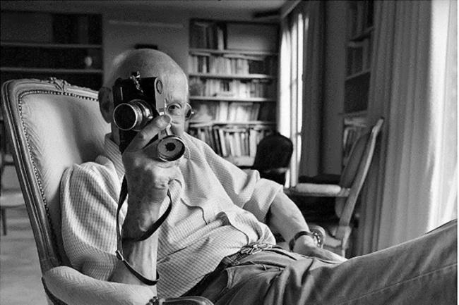 Автопортрет Сотрудничая сагентством Magnum Photos, Анри Картье-Брессон делал кадры сиспользованием