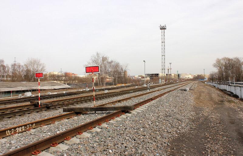 Закрытые пути станции Ростокино, вид на Белокаменную