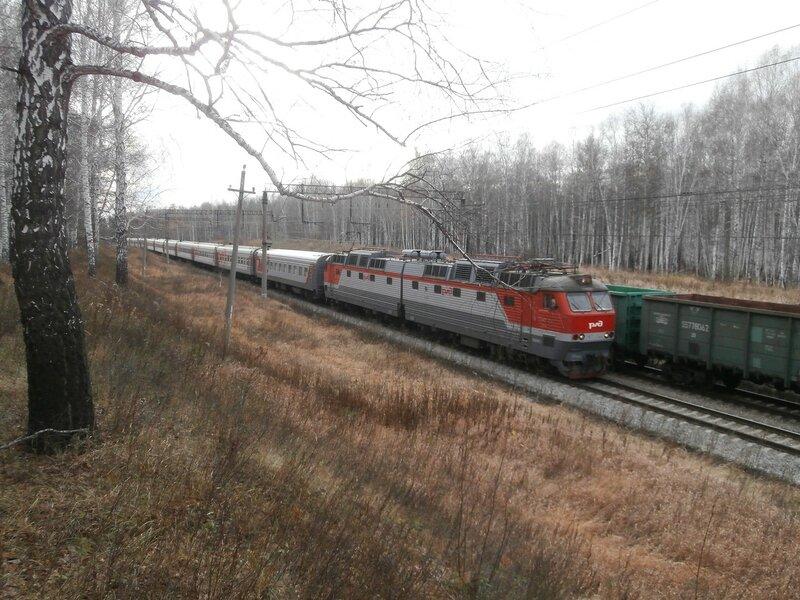 Электровоз ЧС7 с поездом № 146 на перегоне Пост 19 км - УАЗ