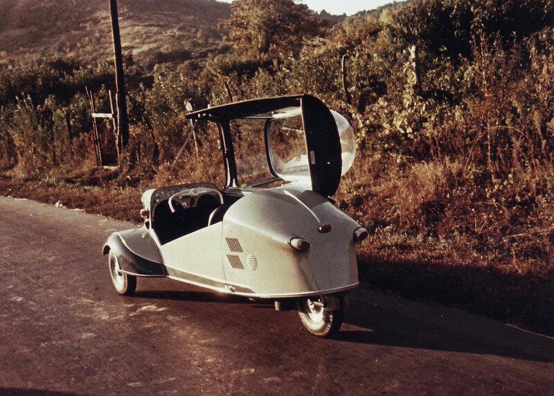 1955 Венгрия аналог Messerschmitt Kabinenroller.jpg