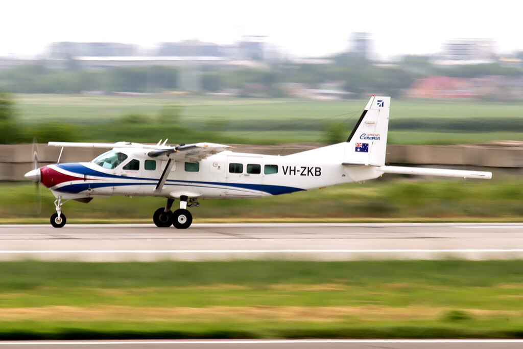 Cessna_208B_Grand_Caravan_VH-ZKB_Air_Control_3_ALA_for.jpg