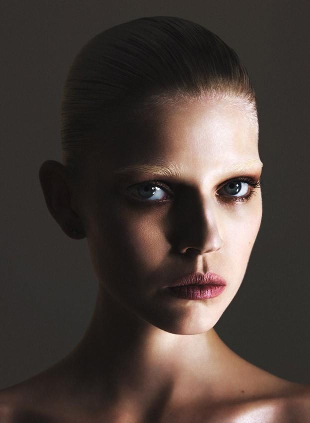 Ola-Rudnicka-Ola-Rudnicka-v-zhurnale-Vogue-Ukraine-9-foto
