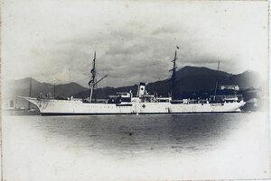 Общий вид парохода Царица, на котором был оборудован плавучий лазарет Красного Креста.