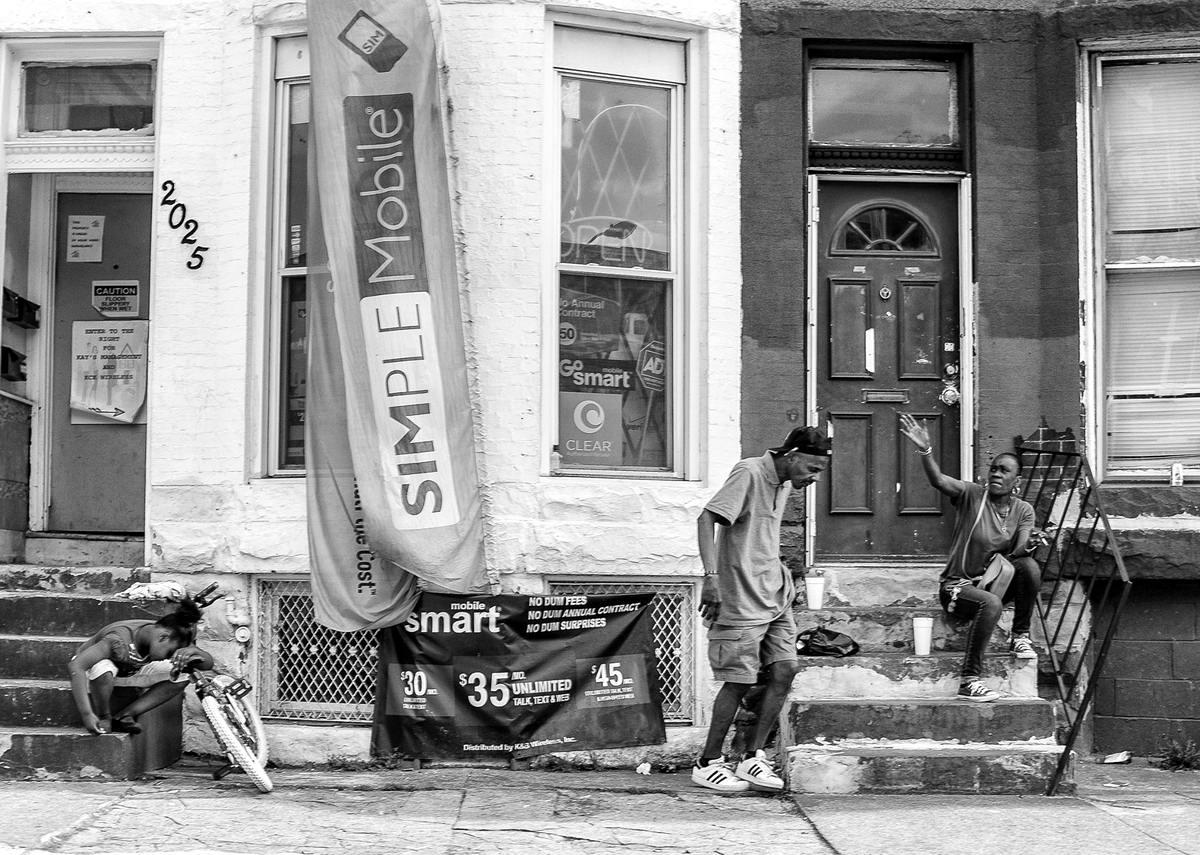 Неулыбчивая Америка: Черно-белая жизнь в бедных кварталах современного Балтимора (5)