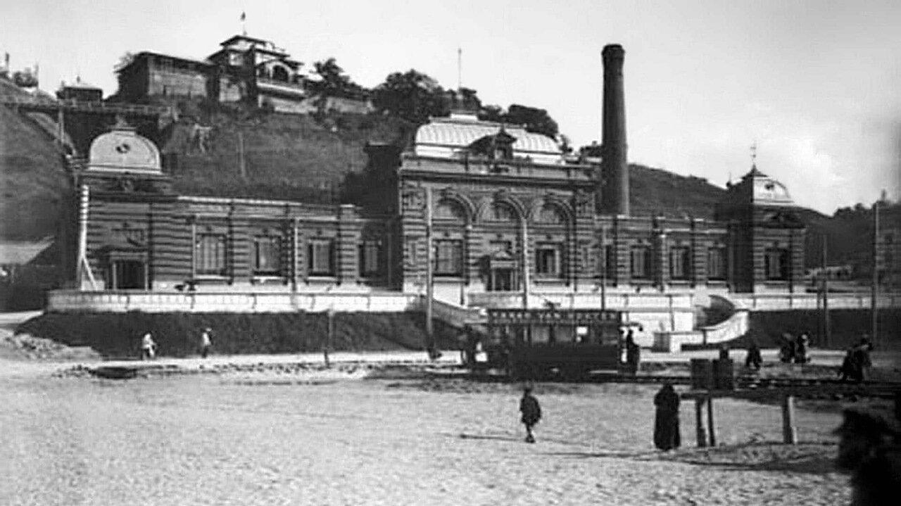 Улица Рождественская. Электростанция и Похвалинская гора