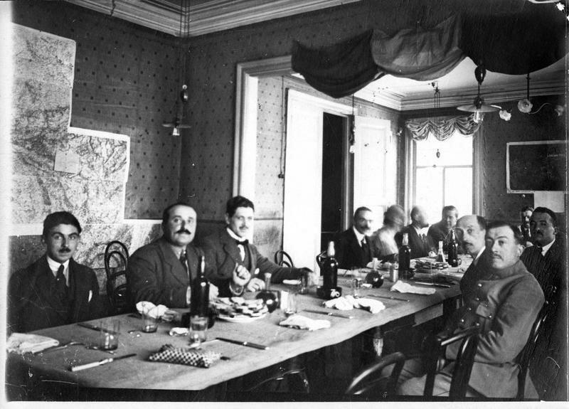 1918. Архангельск. Встреча дипломатической и военной миссий