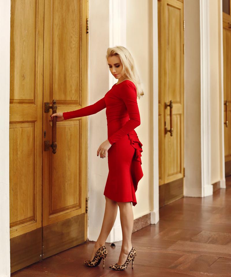 Красное платье и прогулка по городу #6.
