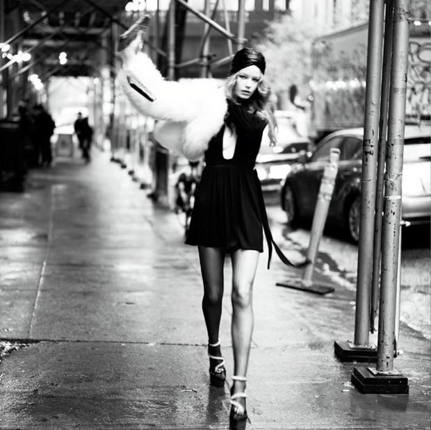 Холли-Мэй Сэйкер (Hollie May Saker) в журнале Vogue Italia