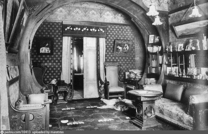 Интерьер Черного лебедя Полуденная гостиная 1909.jpg