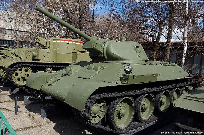22. Музей ВС. 22.04.15.13.средний танк Т-34. 1941..jpg