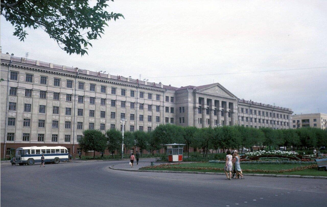 Хабаровск. Медицинский институт