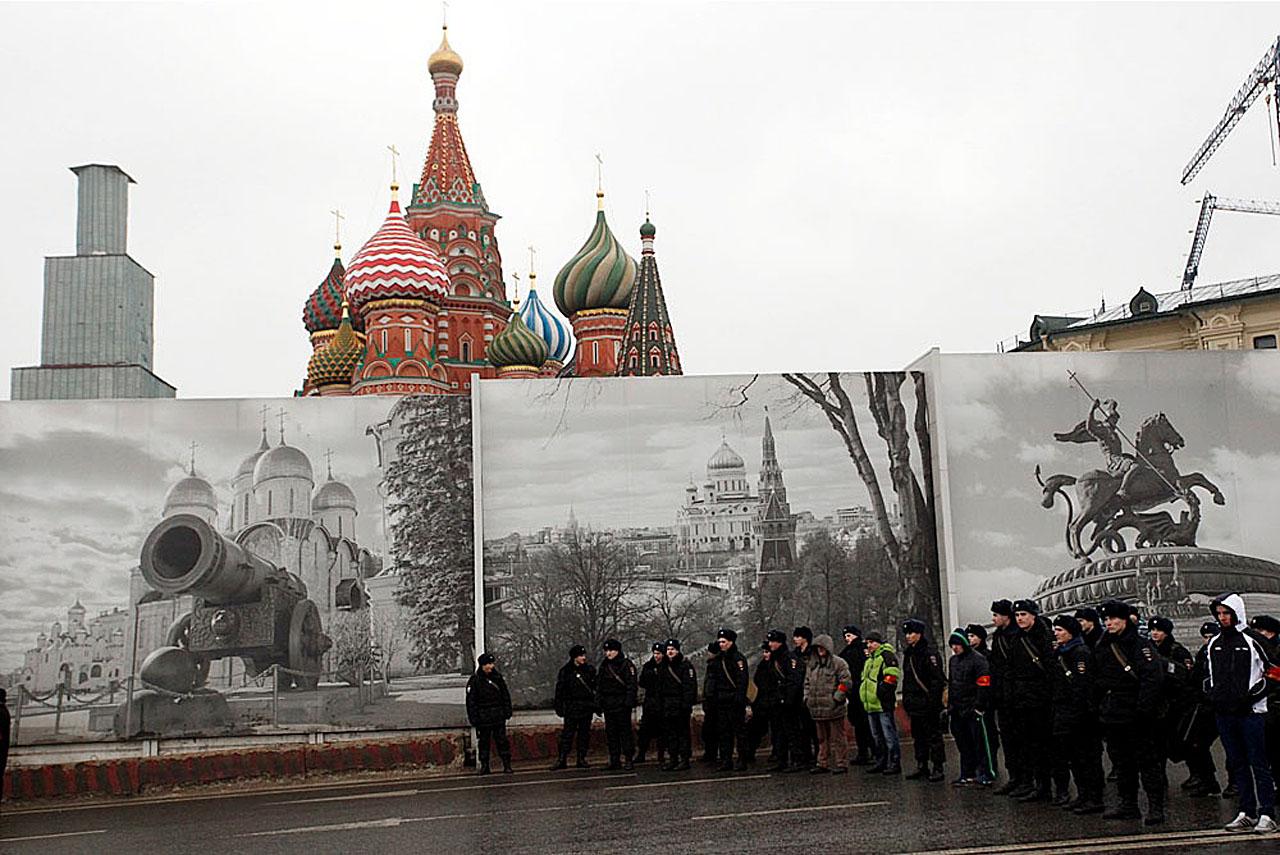 Немцов, полиция, Красная площадь, марш, пушка, храм и Георгий
