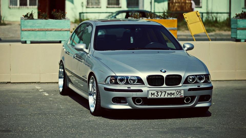 Или BMW 5 серии в кузове Е39: