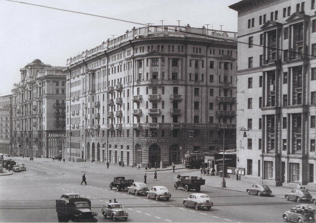 Москва  Земляной вал - Воронцово Поле 1952.jpg