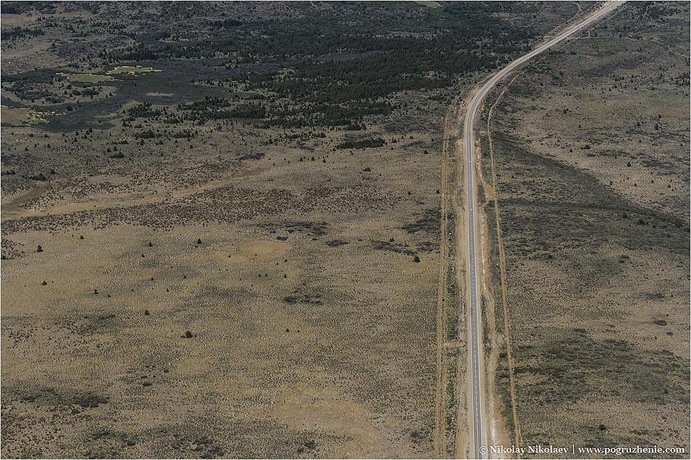 9. Виды аргентинских дорог еще более впечатляющие сверху. Они поражают своими размерами в океане дик