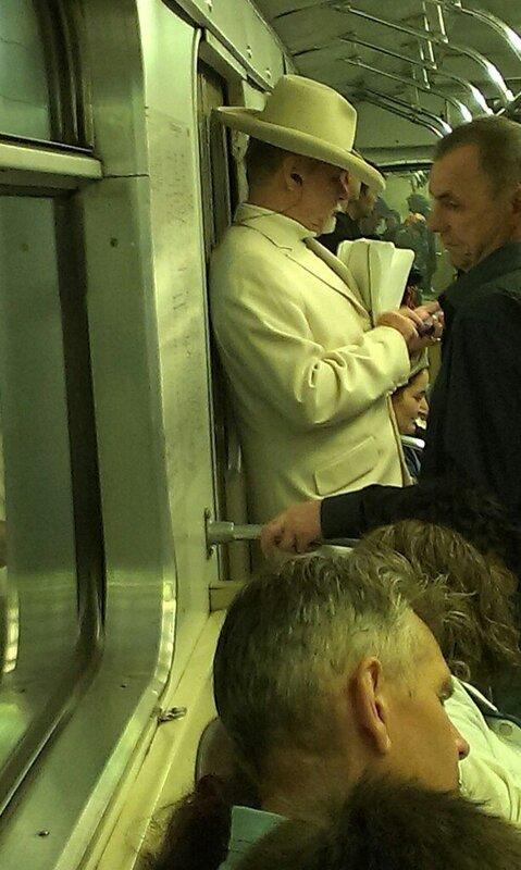 самые-странные-люди-в-метро5.jpg