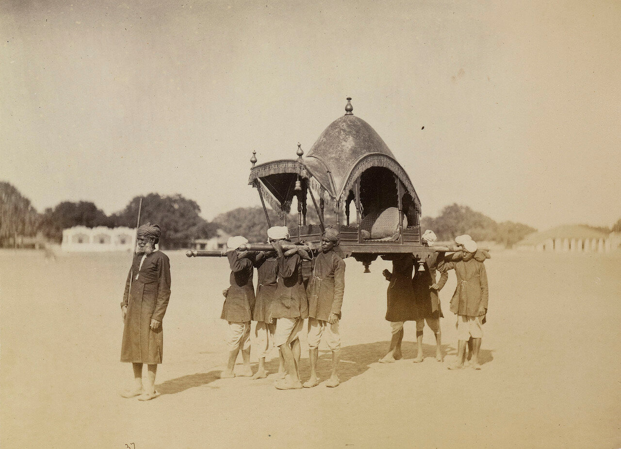 79. Паланкин махараджи Алвара