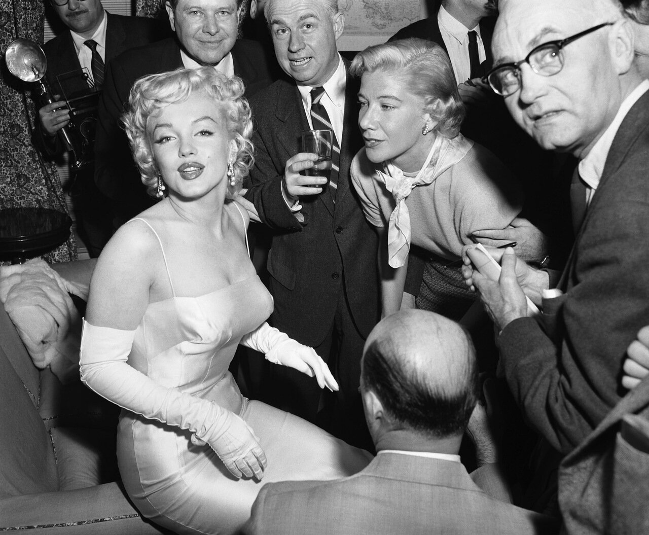 Marilyn Monroe Unveiling a New Look