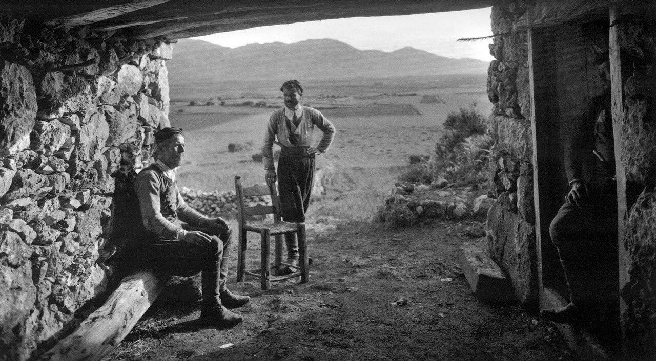 1911. Крит, Омалос