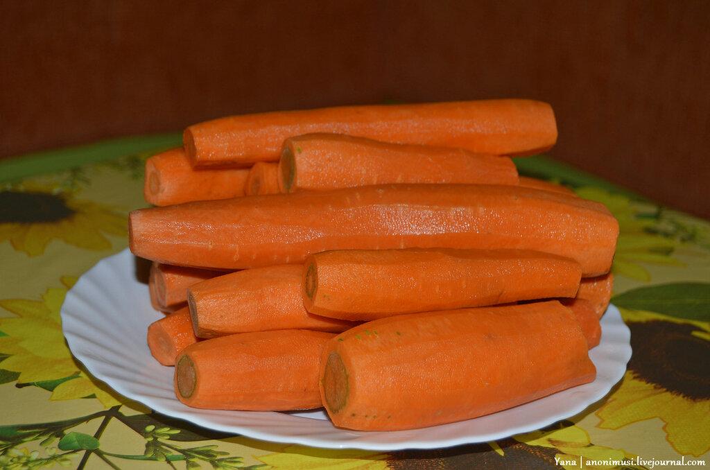 Хвосты свиные с морковкой и рисом