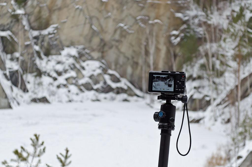 Фотография 2. Чтобы снять качественную фотографию при низком освещении, даже на мыльницу Sony Cyber-shot DSC HX50, лучше установить ее на штатив. На фото - головка G20X карбонового штатива Sirui T-2204X.