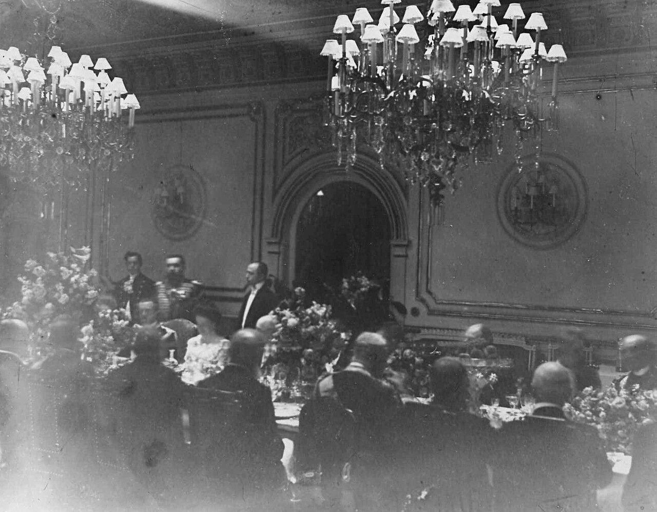 14. Завтрак в честь приезда итальянского короля Виктора Эммануила III в здании итальянского посольства