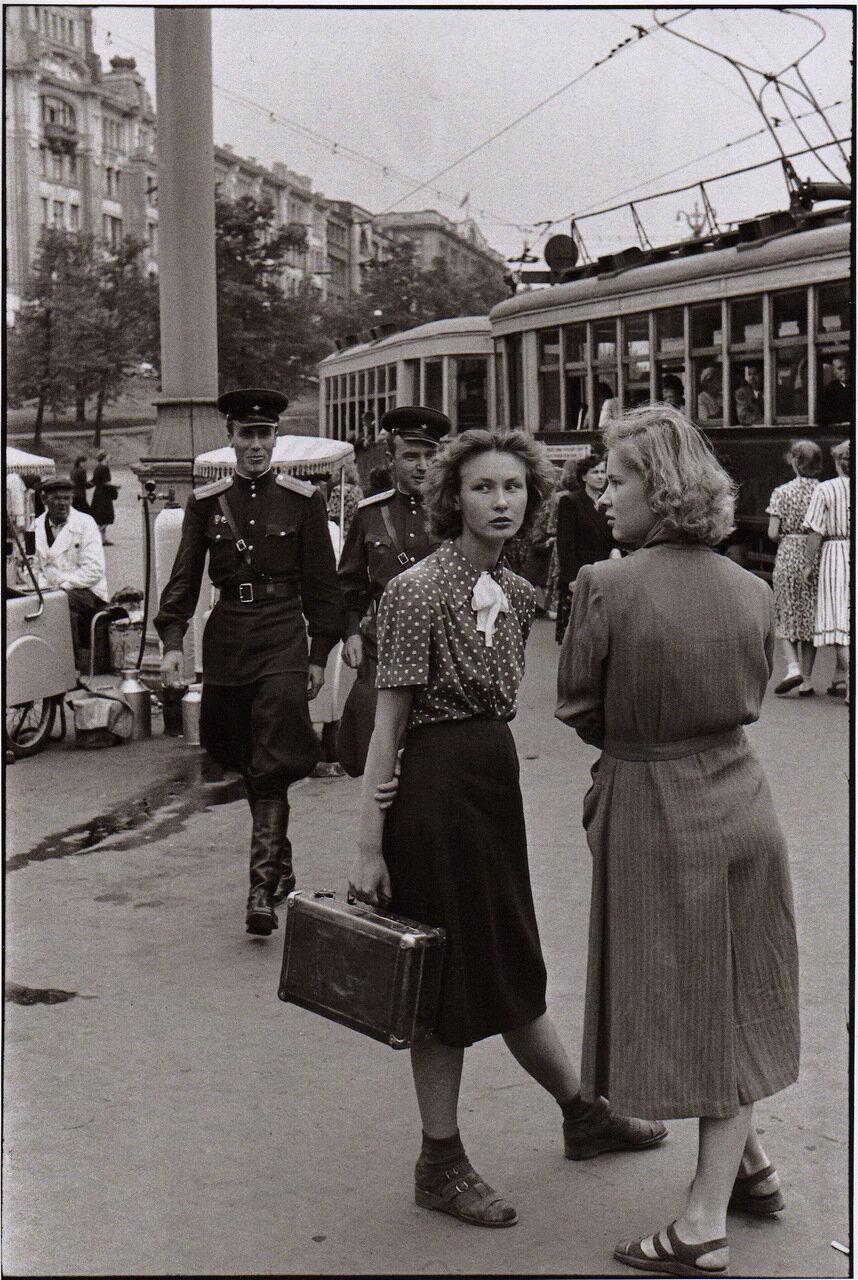 1954. Москва. Уличная сцена