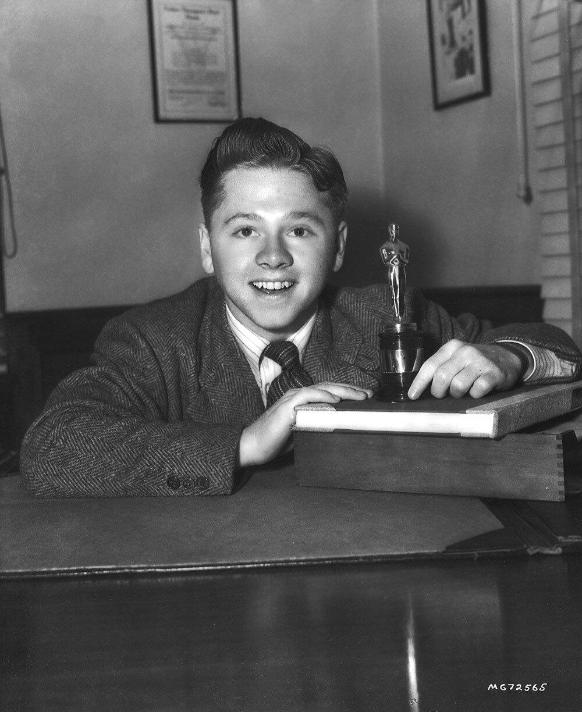 1939. Мики Руни (молодёжная награда Академии за весомый вклад в молодёжное кино)