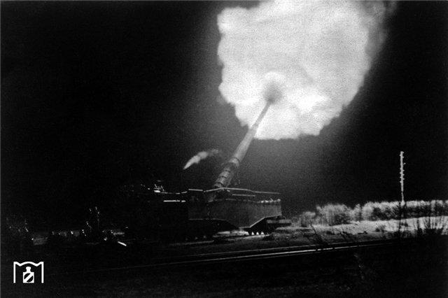 280-мм орудие на железнодорожном лафете в Крыму.jpg