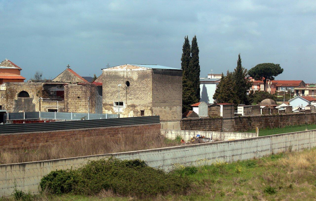 Италия. Сельское кладбище
