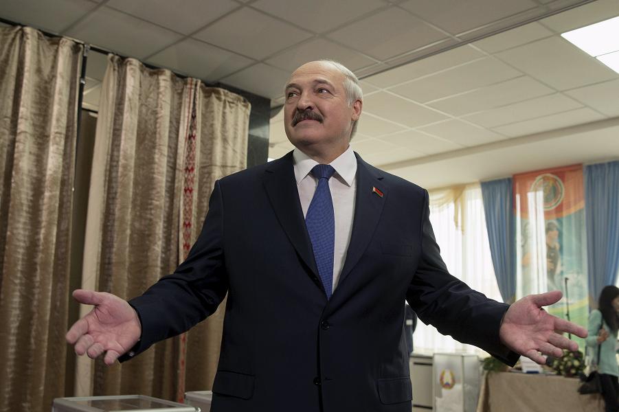 Лукашенко, президентские выборы 11.10.15.png