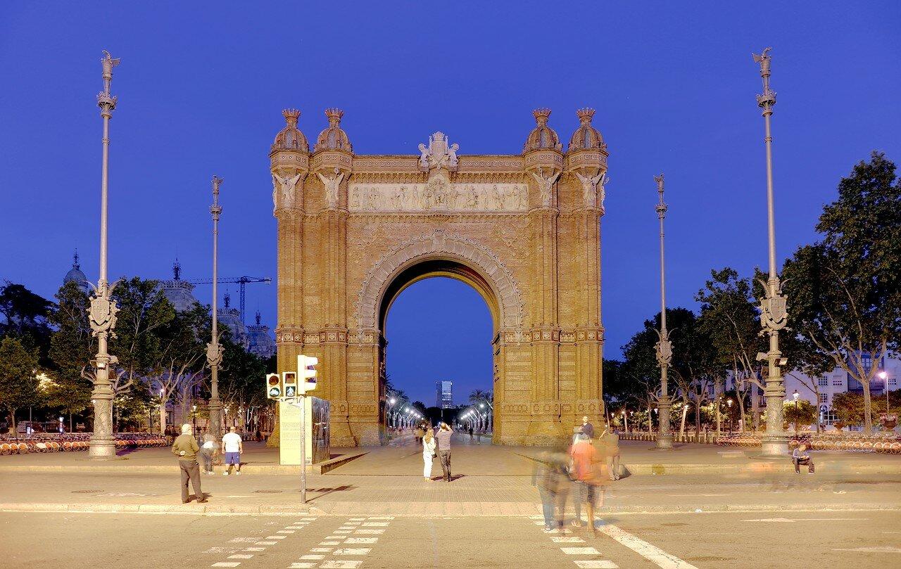 Барселона. Триумфальная арка (L'Arc de Triomf)