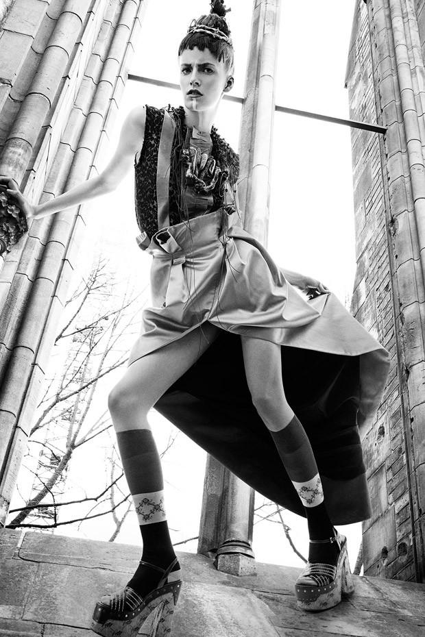 Anna-Xaftenberger-Anna-Haftenberger-v-zhurnale-LOfficiel-Ukraine-10-foto