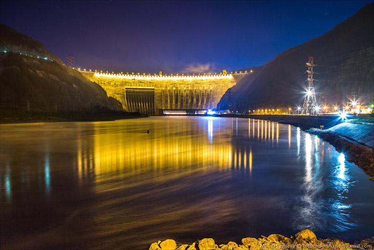 Самая большая ГЭС в России (47 фото)
