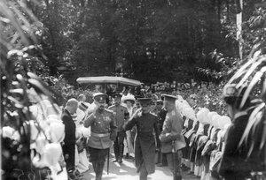 Встреча императора Николая II, прибывшего на Царскосельскую Юбилейную выставку.