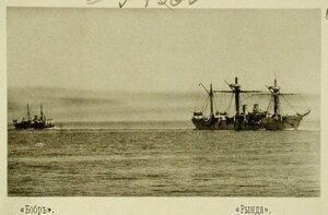 Канонерская лодка Бобр (слева) и Рында (справа) во время учений соединенной эскадры