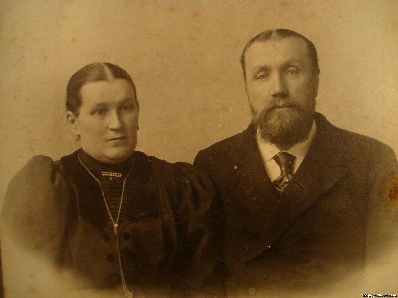 Потомственный почетный гражданин Филипп Яковлевич Пантелеев (11.11.1863 - 18.02.1914) с супругой