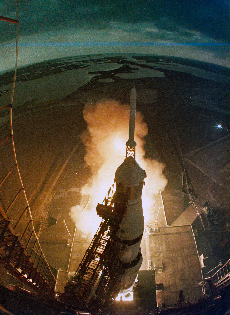 Ракета-носитель вывела корабль на геоцентрическую орбиту, близкую к расчётной.