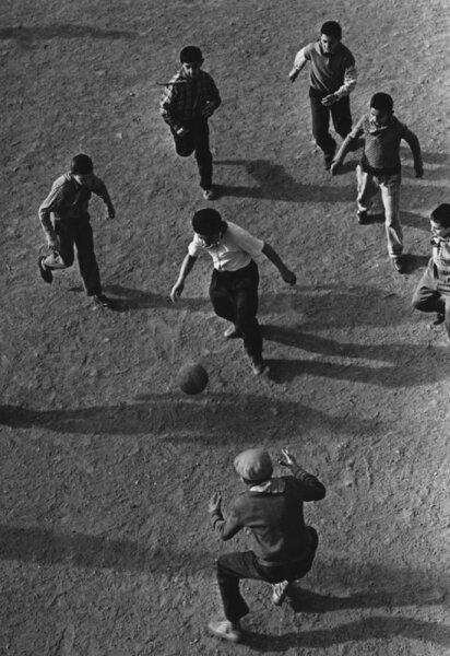 Будущие футболисты. Автор Рюмкин Яков, 1960-e.jpg