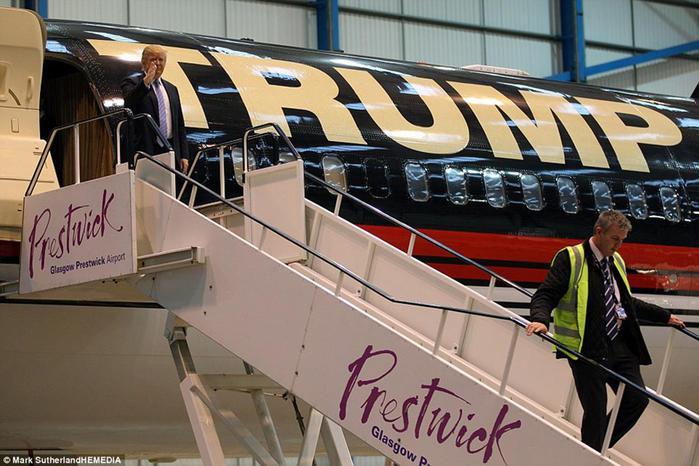Миллиардер Дональд Трамп показал свой шикарный самолет