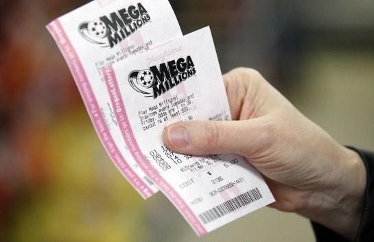 Американцы выиграли миллион долларов, но выбросили лотерейный билет