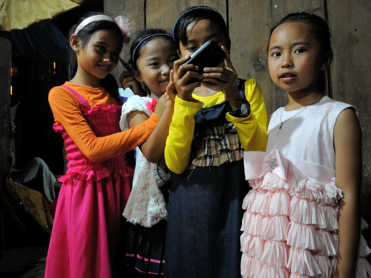 индонезийские дети на яванской свадьбе