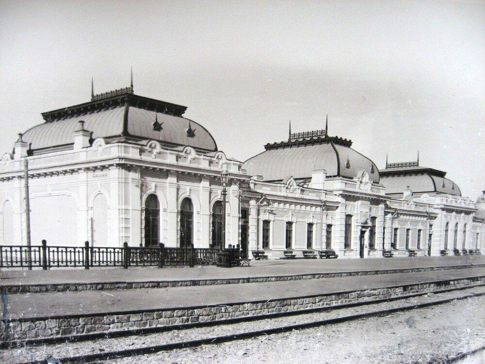 04. Пассажирское здание на станции Казалинск