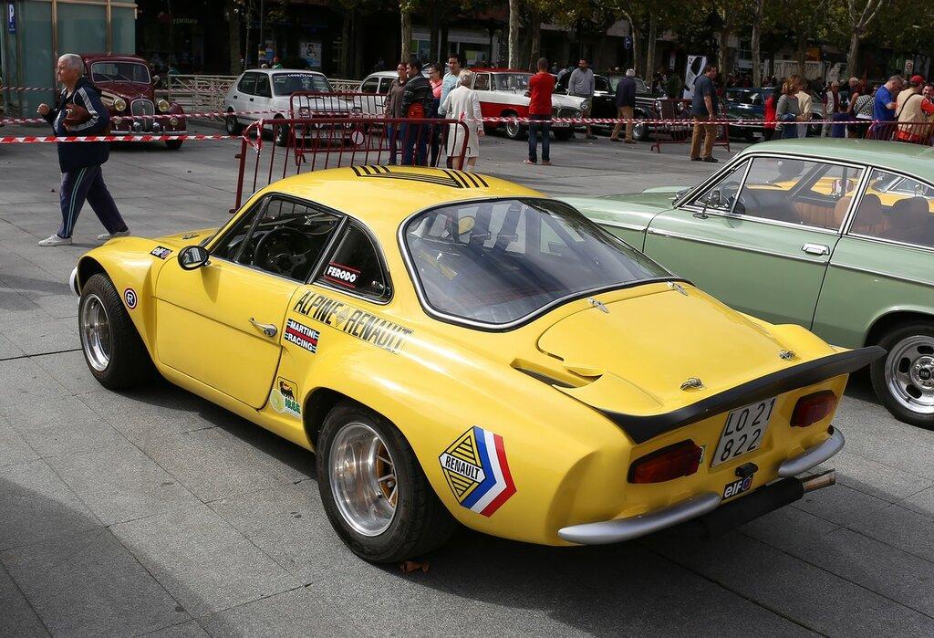 Парад ретроавтомобилей в Логроньо. Alpine A110